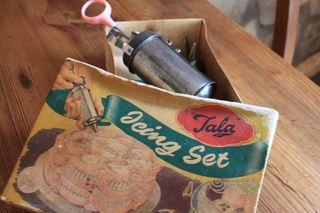 Vintage Tala Icing Set