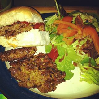 Quorn Cheese & Onion Burgers
