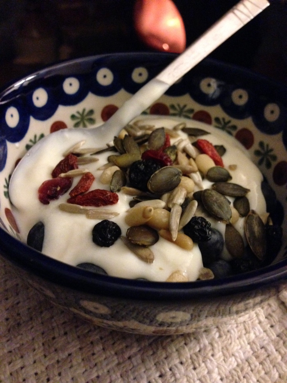 Fruit, seeds and yoghurt