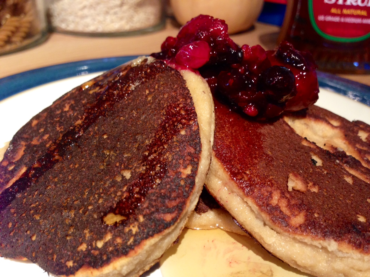 banana berry pancakes