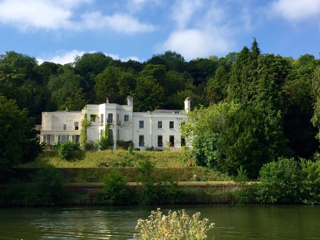 Abandoned house on the Thames