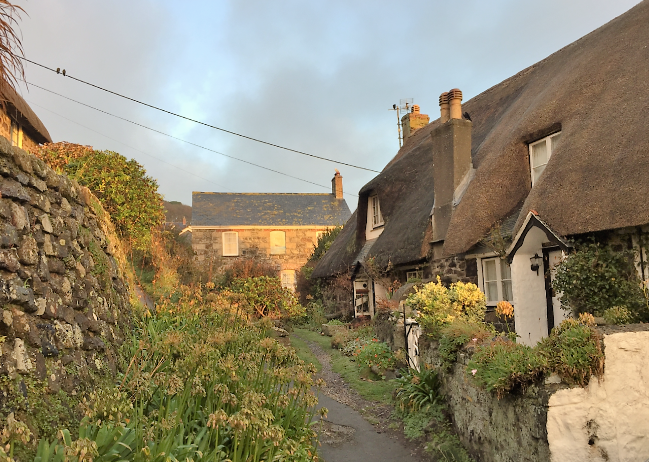 Cadgwith Houses