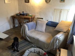 Rene's Cottage lounge