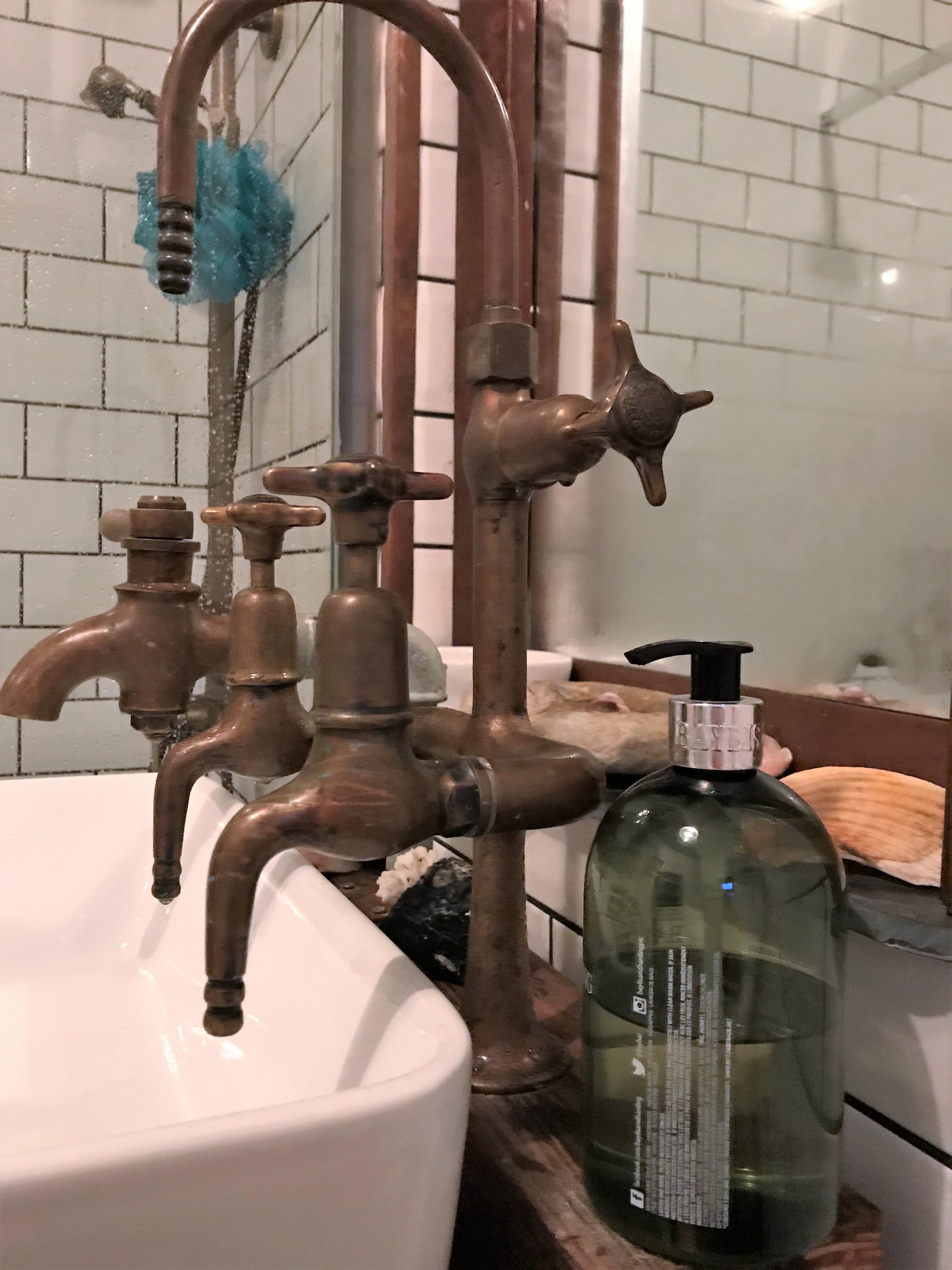 Mill House bathroom